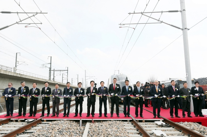 Construction of the Test Rail Track is complete, laying the foundation for the railroad safety and the industrial development 포토이미지